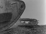 305153238-mark-v-tank-cacher-etre-humain-ecraser-broyer-guerre-de-tranchee.jpg